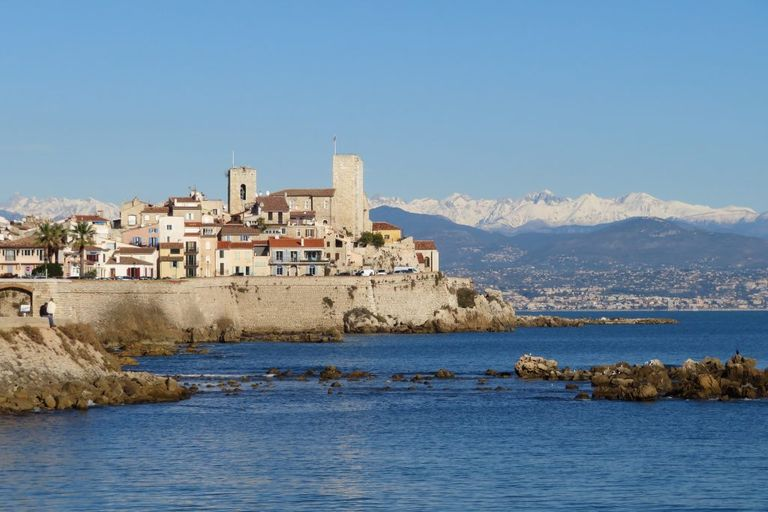 Photo-Antibes-via-Holidu
