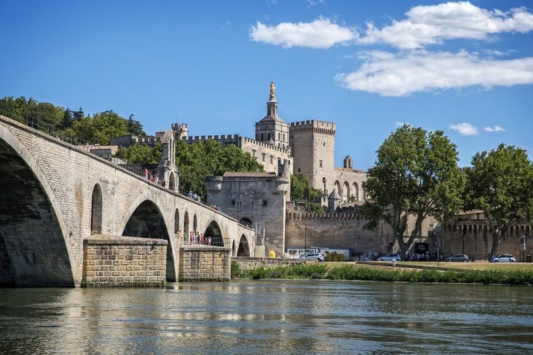 Photo-Avignon-via-Holidu